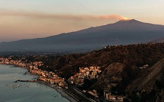 <b>Face to Face with the Etna</b>
